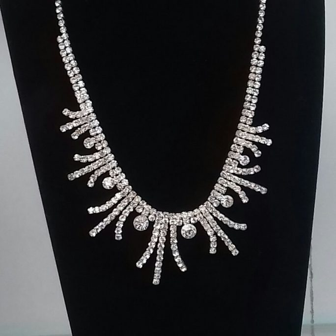 Faux Diamond Aloe Vera Necklace
