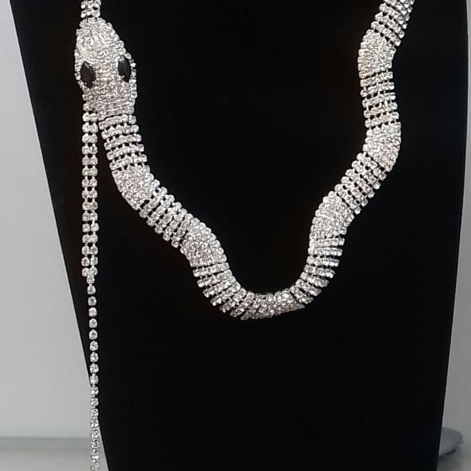 Faux Diamond Snake Design Necklace