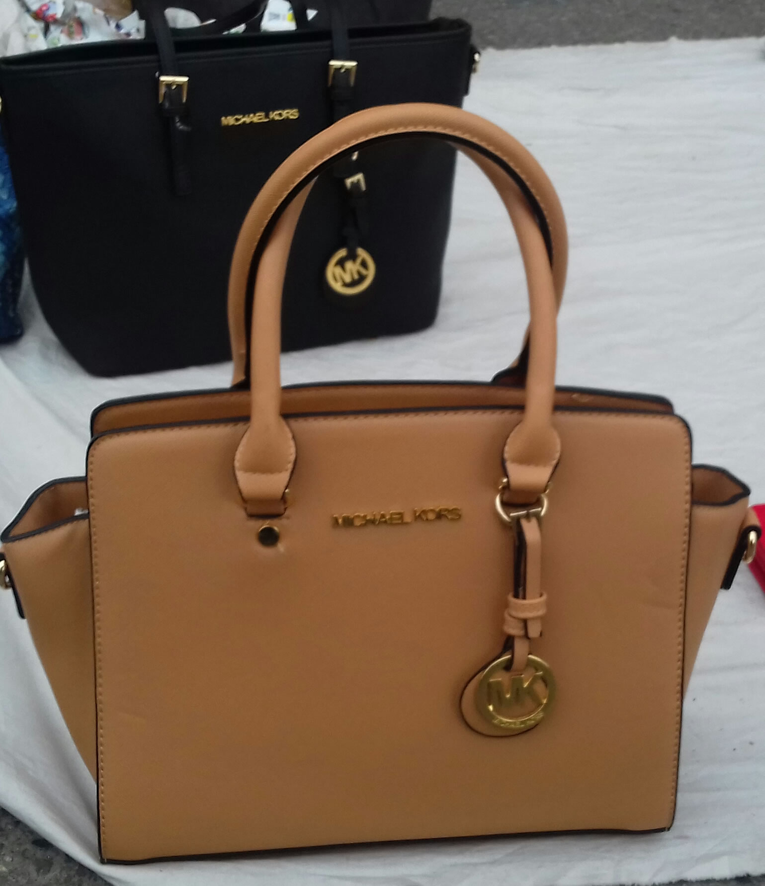 a3dad6679a07 Michael Kors bags - why don t you acquire yours at Amolese s now