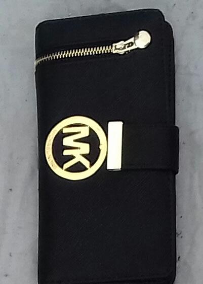Michael Kors purse left lateral zipper